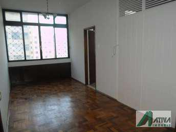 Apartamento com 2 quartos para alugar no bairro Centro,
