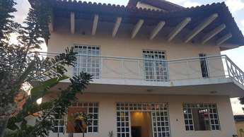 Casa em condomínio com 4 quartos para alugar no bairro