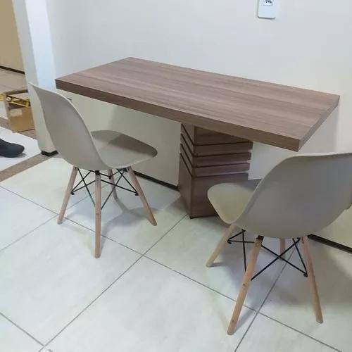 Mesa parede damoplan com duas cadeiras charlés