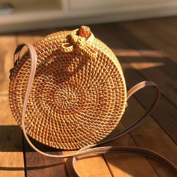 Bolsa redonda de palha de bali