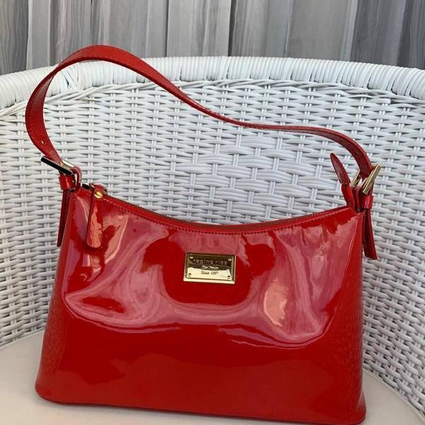 Bolsa vermelha couro lisa