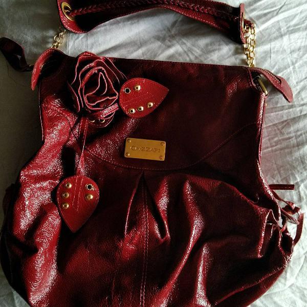 Bolsa vermelha crizzapi