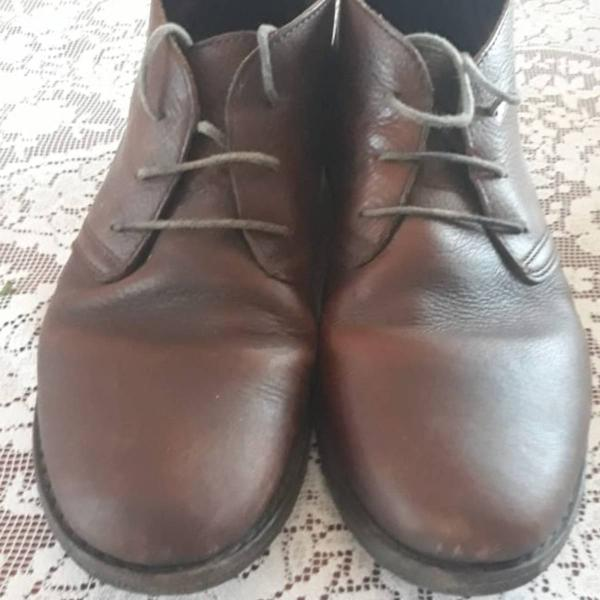 Botas de couro marrom chatham