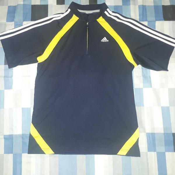 Camiseta esportiva adidas