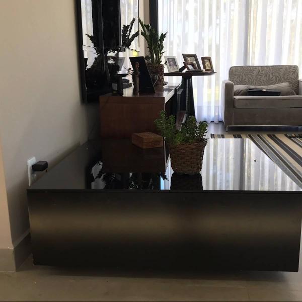 Mesa de centro design moderno (1metro x 1 metro)