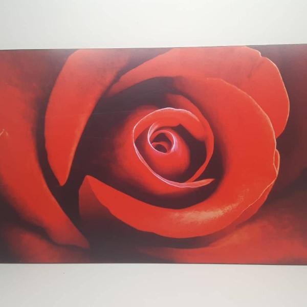 Painel decorativo rosa vermelha