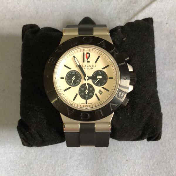 Relógio bulgari titanium