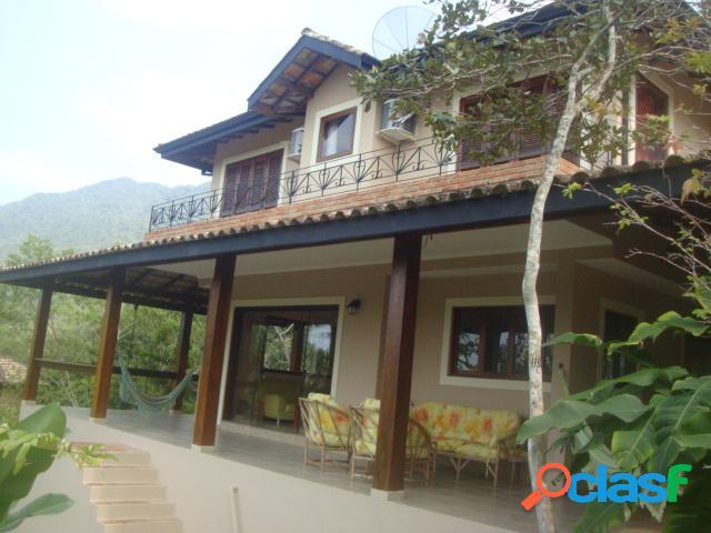 Excelente casa condomínio fechado vereda ii à venda em ubatuba.