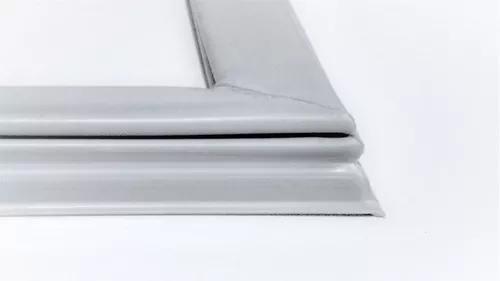 Borracha de geladeira dako 380 (medida aprox 57x1,18cm)