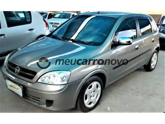 Chevrolet corsa hatchback 1.0 mpfi 8v 71cv 5p 2003/2004