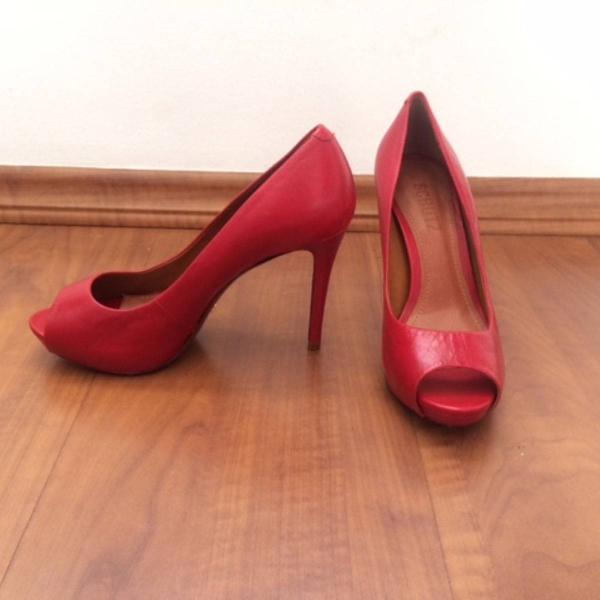 Peep toe classic red - schutz