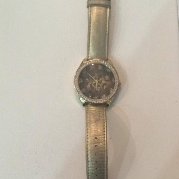 Relógio oncinha guess
