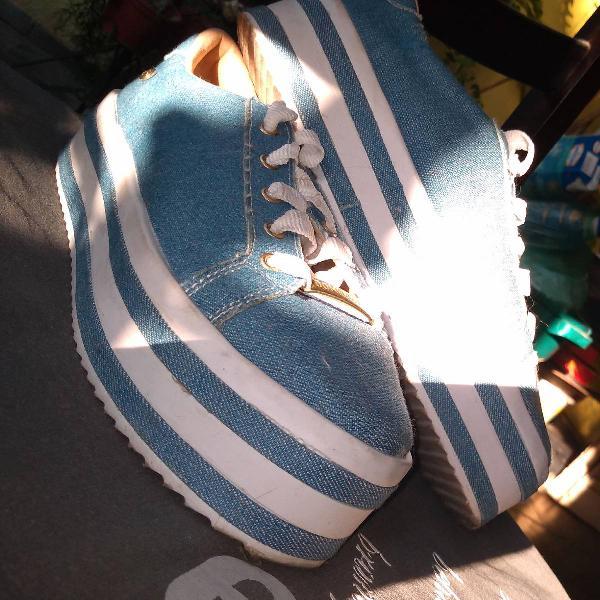 Tênis jeans de plataforma