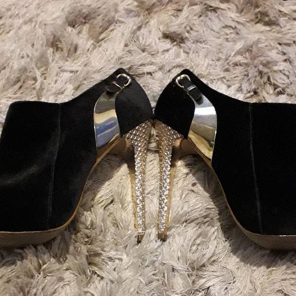 Ankle boot salto dourado