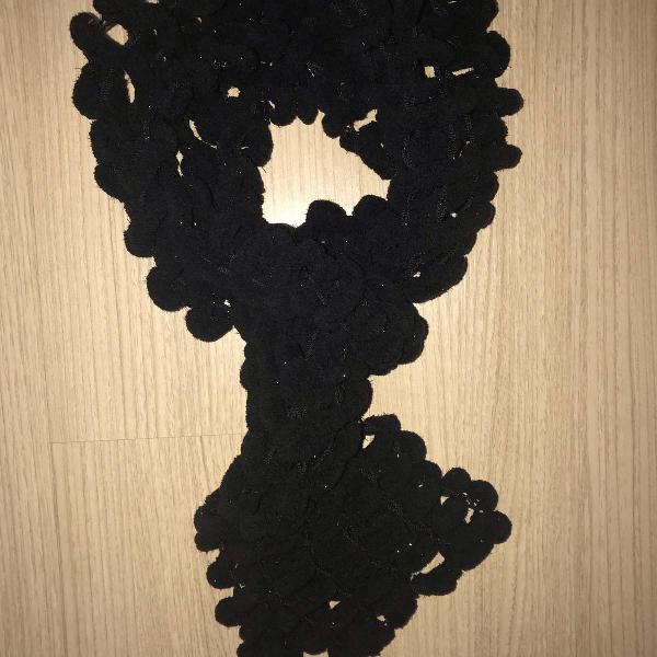 cachecol preto de lã