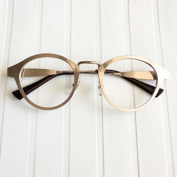 Oculos gatinho dourado