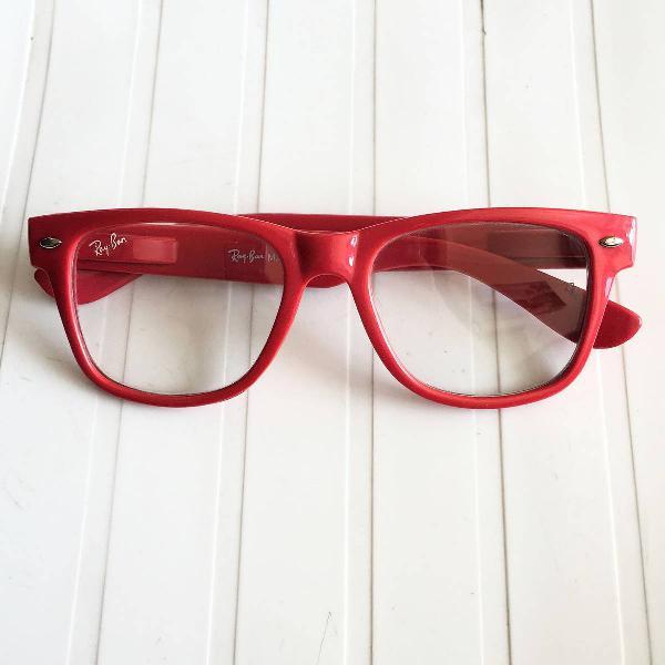 Oculos vermelho