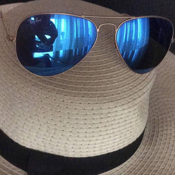 Ray ban espelhado ! lente maior , cor azul