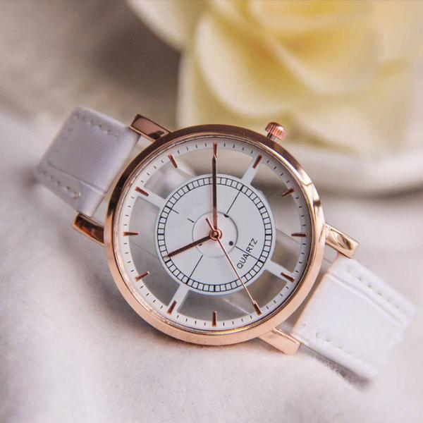 Relógio couro feminino branco vazado lindo