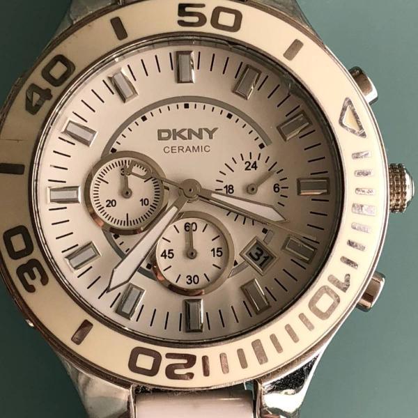 Relógio dkny branco de metal