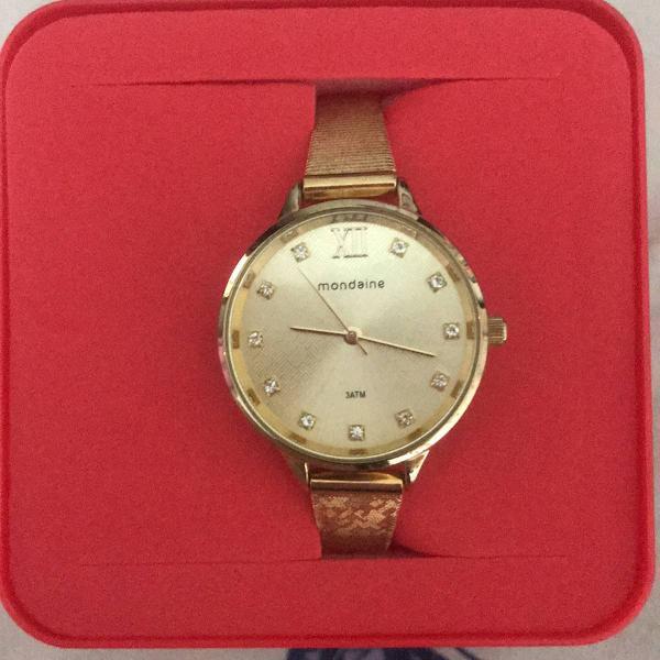 Relógio dourado original mondaine