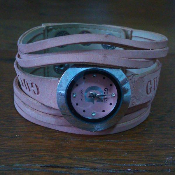 Relógio estilo pulseira gucci