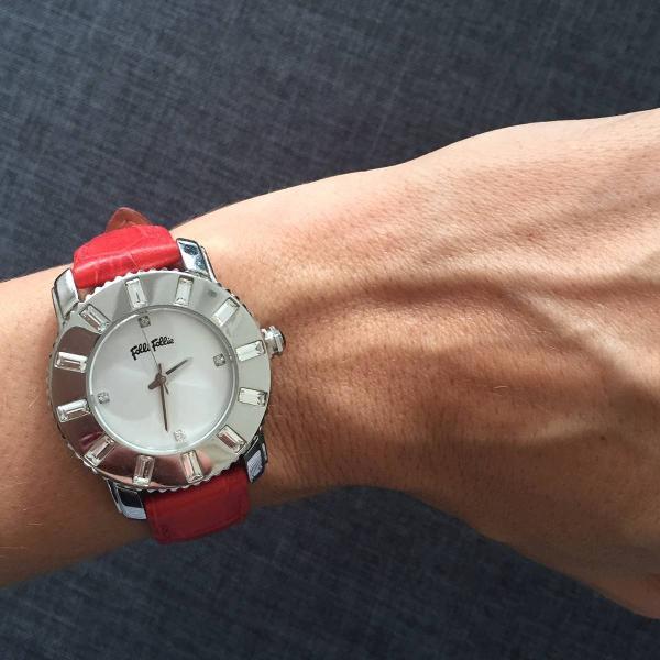Relógio importado couro vermelho