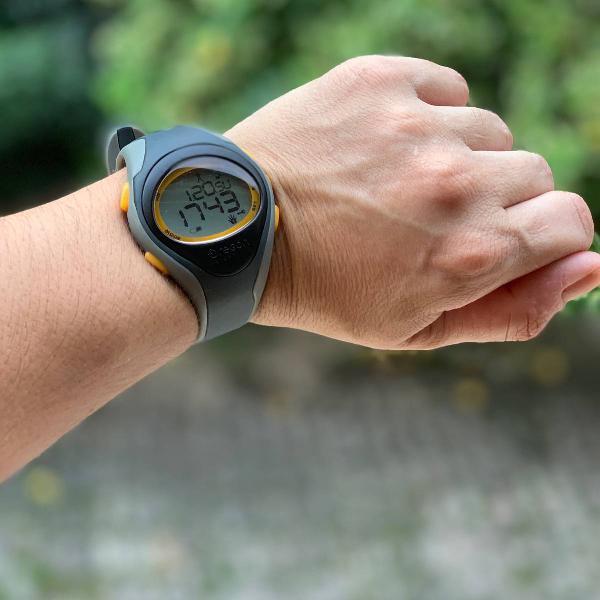 Relógio monitor cardíaco/frequencimetro oregon se102 l