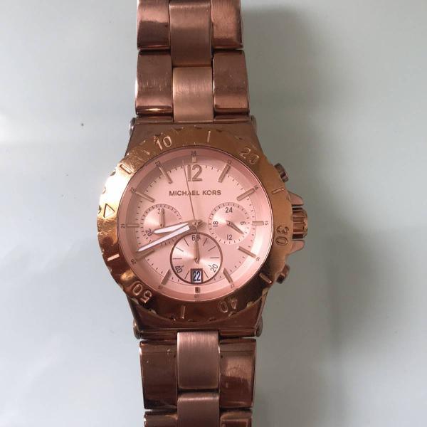Relógio original da marca michael kors, na cor rosé