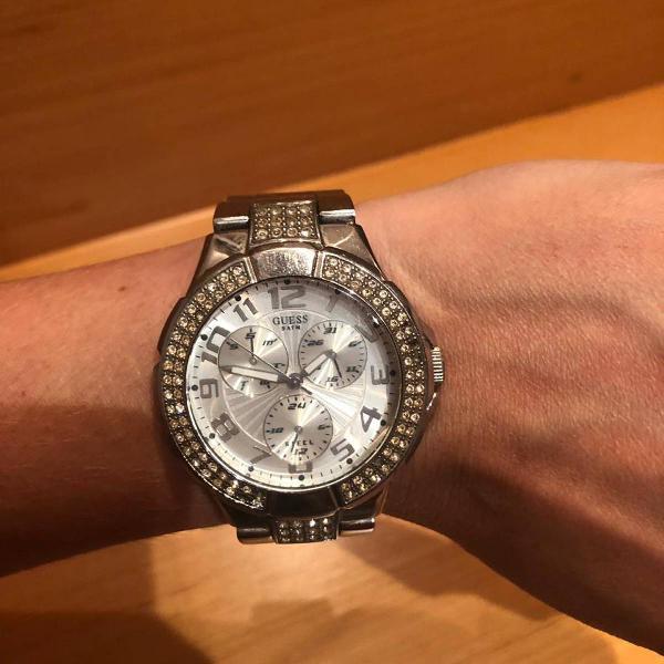 Relógio prata guess