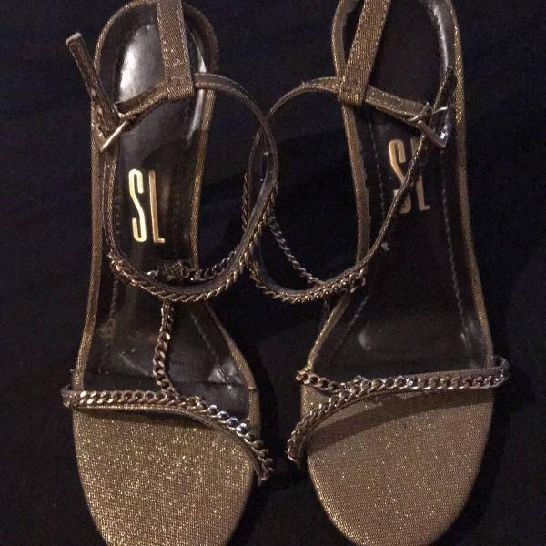 Sandália dourada santa lolla 36