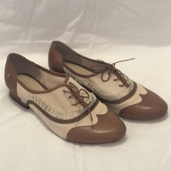 Sapato em couro tipo oxford capodarte