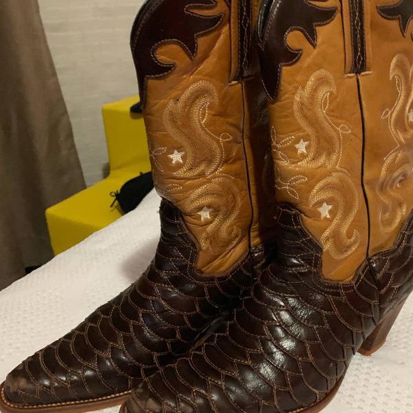 Western boots em couro avestruz