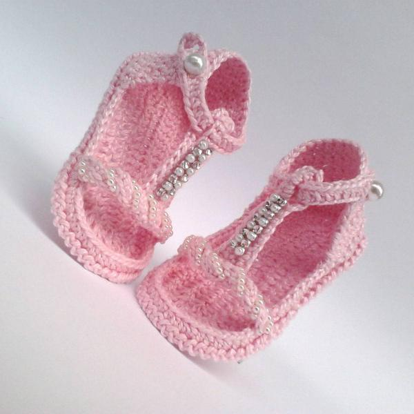 A61 sandalinha de croche 9 cm rosa menina com strass e