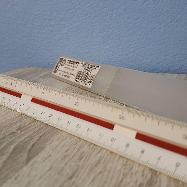 Kit arq/eng escalimetro, pá de esquadro e régua t