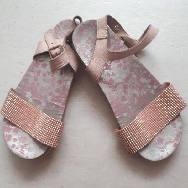 Sandália infantil com brilho