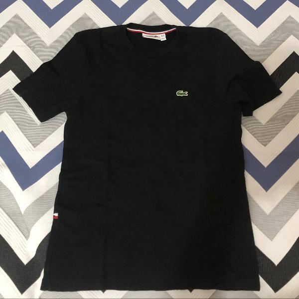 Camiseta lacoste preta tamanho m