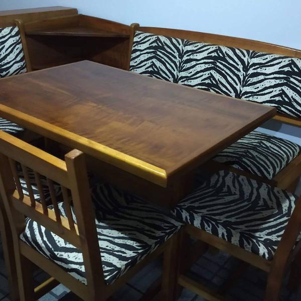 Canto alemão com 3 cadeiras em madeira maciça
