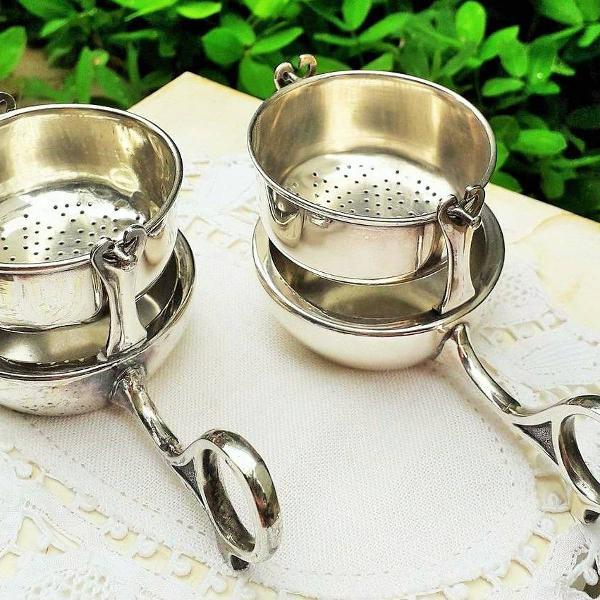 Coadores de chá vintage