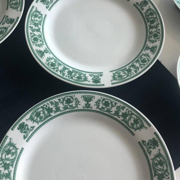 Jogo pratos porcelana