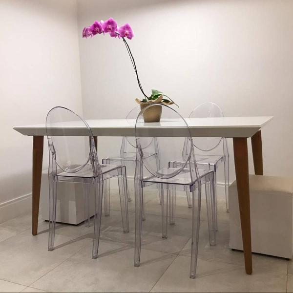 Mesa de jantar impecável