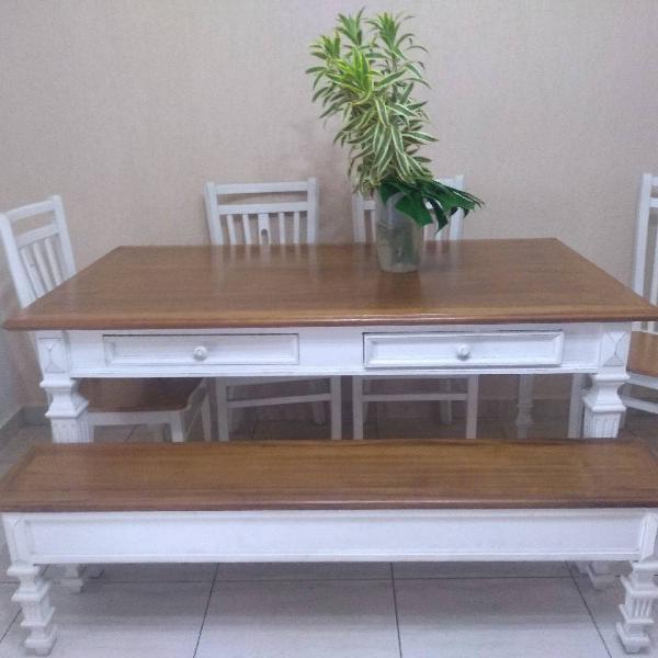 Mesa de madeira 6 lugares usada