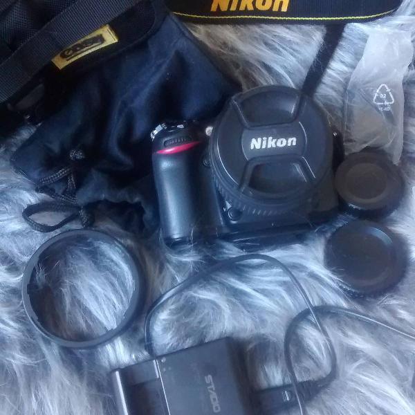 Câmera fotográfica nikon d7100 com lente 18~105