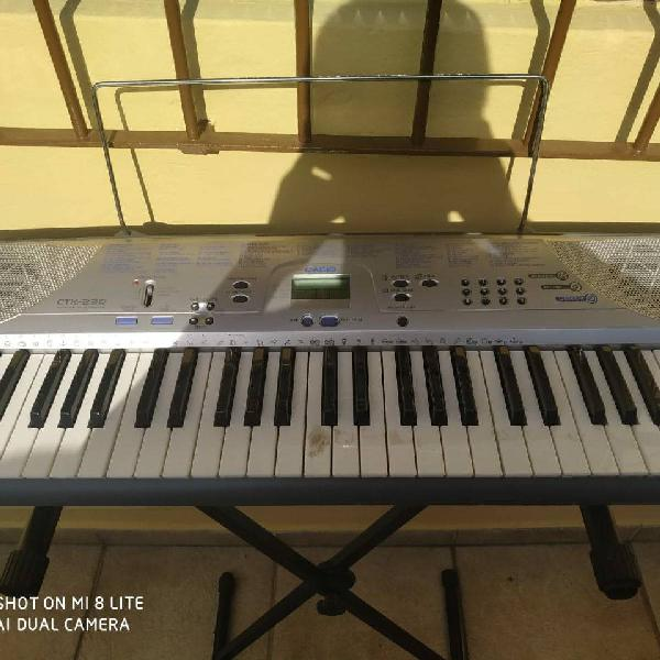 Teclado musical digital casio