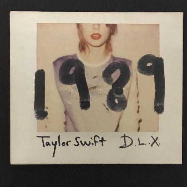 Cd taylor swift d.l.x 1989