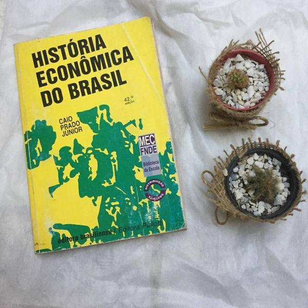 Livro / história econômica do brasil, de caio prado jr.