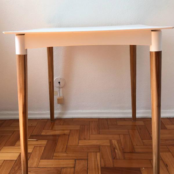 Mesa e cadeiras tok stok