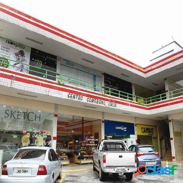 Aluga-se loja comercial na rua joão valério em centro comercial oportunidade para o seu negocio manaus-am