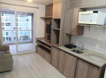 Apartamento com 1 quarto para alugar, 40 m² por r$