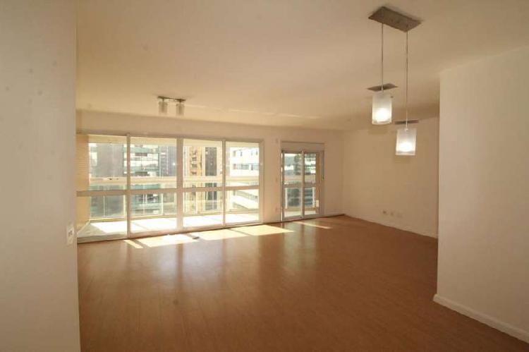 Apartamento com 3 quartos para alugar, 125 m² por r$